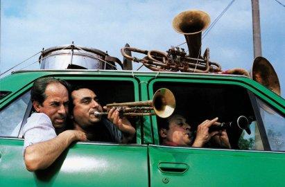 funny-musicians-in-car.jpg